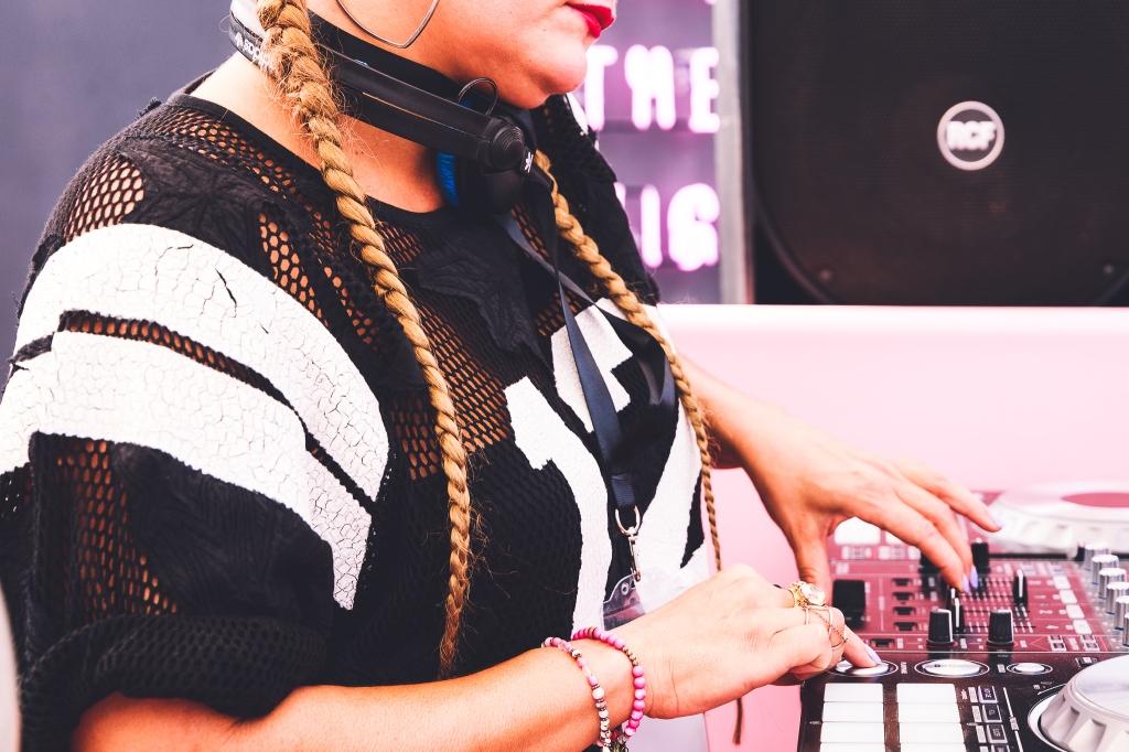 DJ Cheriana
